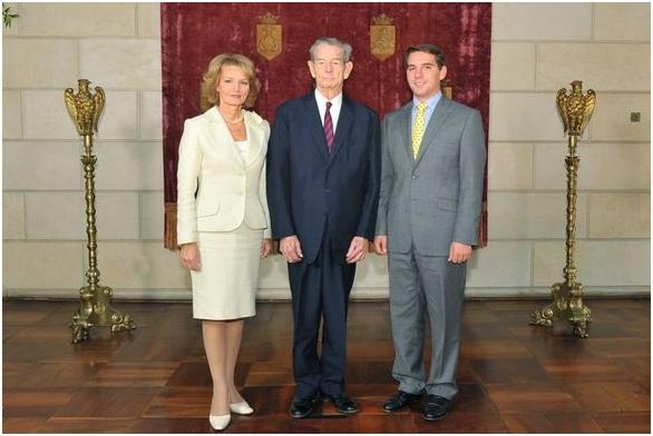 Prins Nicolae niet langer troonpretendent