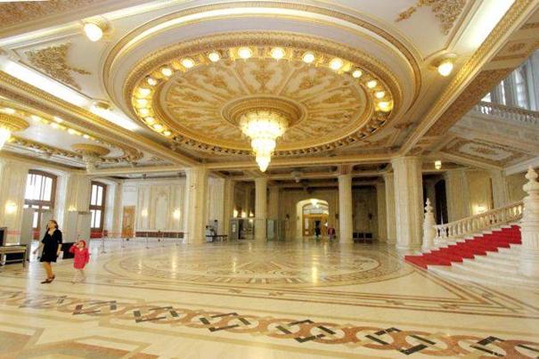 8-Virtuele tour door het Roemeense paleis van het parlement-2