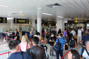 Langere wachttijden op vliegveld Henri Coanda Boekarest